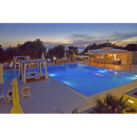 Hotel LUNA ISLAND**** - Jakiśnica / Lun